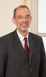 Portrait: Dr. Heinz Faßmann - Federal Minister of Education, Science and Research