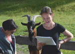 Im Rahmen eines literarischen Rundgangs führte Iris Kathan (Projekt Tirol / Südtirol: Eine literarische Topographie) durch Mösern