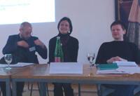 Vortrag von Barbara Siller (Bildmitte): Lyrik in zwei Sprachen – monolinguale Rezeption? Selbstübersetzung als literarische Handlungsform am Beispiel Gerhard Kofler.