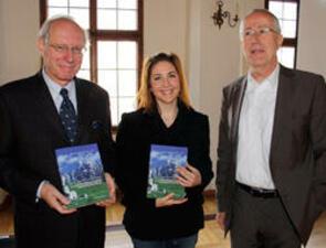 """Buchpräsentation """"Die Alpen im Wandel zwischen Risiken und Chancen"""" 04.11.2011"""