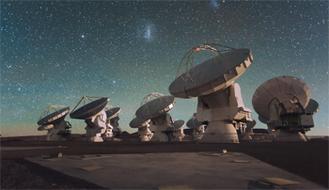 Antennen des ALMA Radioteleskopes in den Chilenischen Anden (Foto: ESO)
