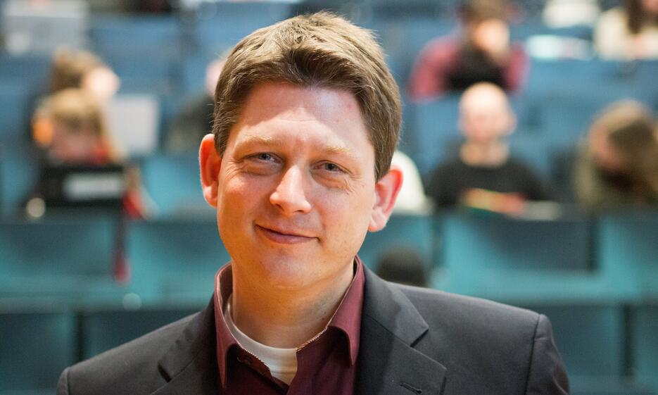 Univ.-Prof. Dr. Markus Helfen