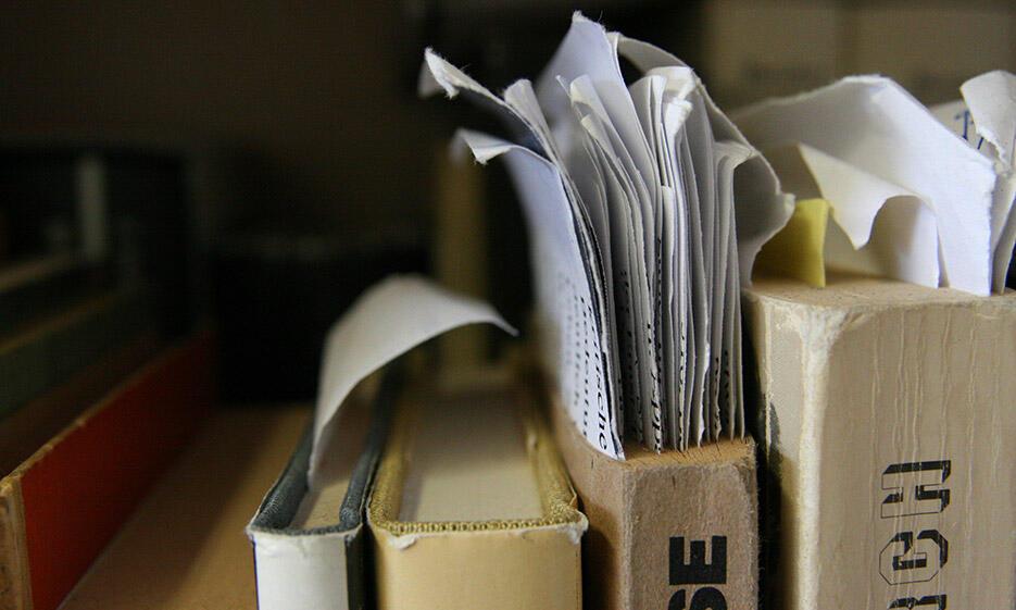 Bücher und Zettel