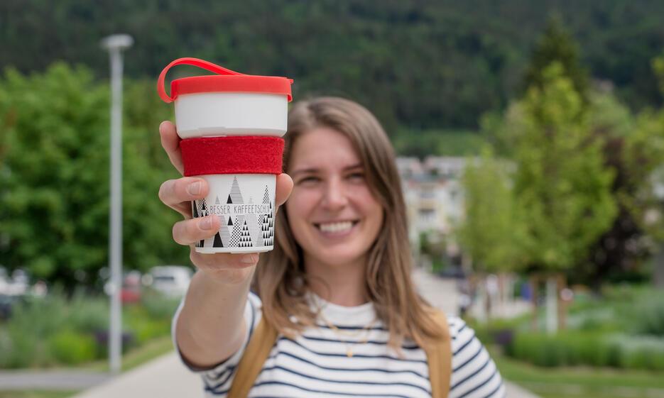 """""""Besser Kaffeetschln"""" mit umweltfreundlichem Mehrwegbecher"""
